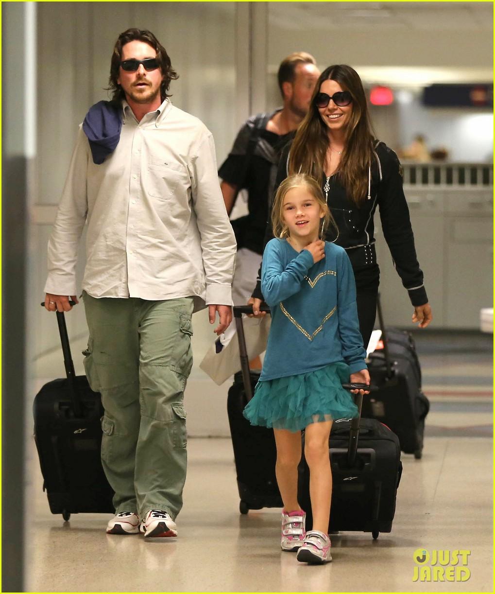 christian bale post birthday family flight 04