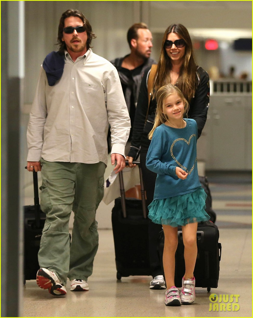 christian bale post birthday family flight 08