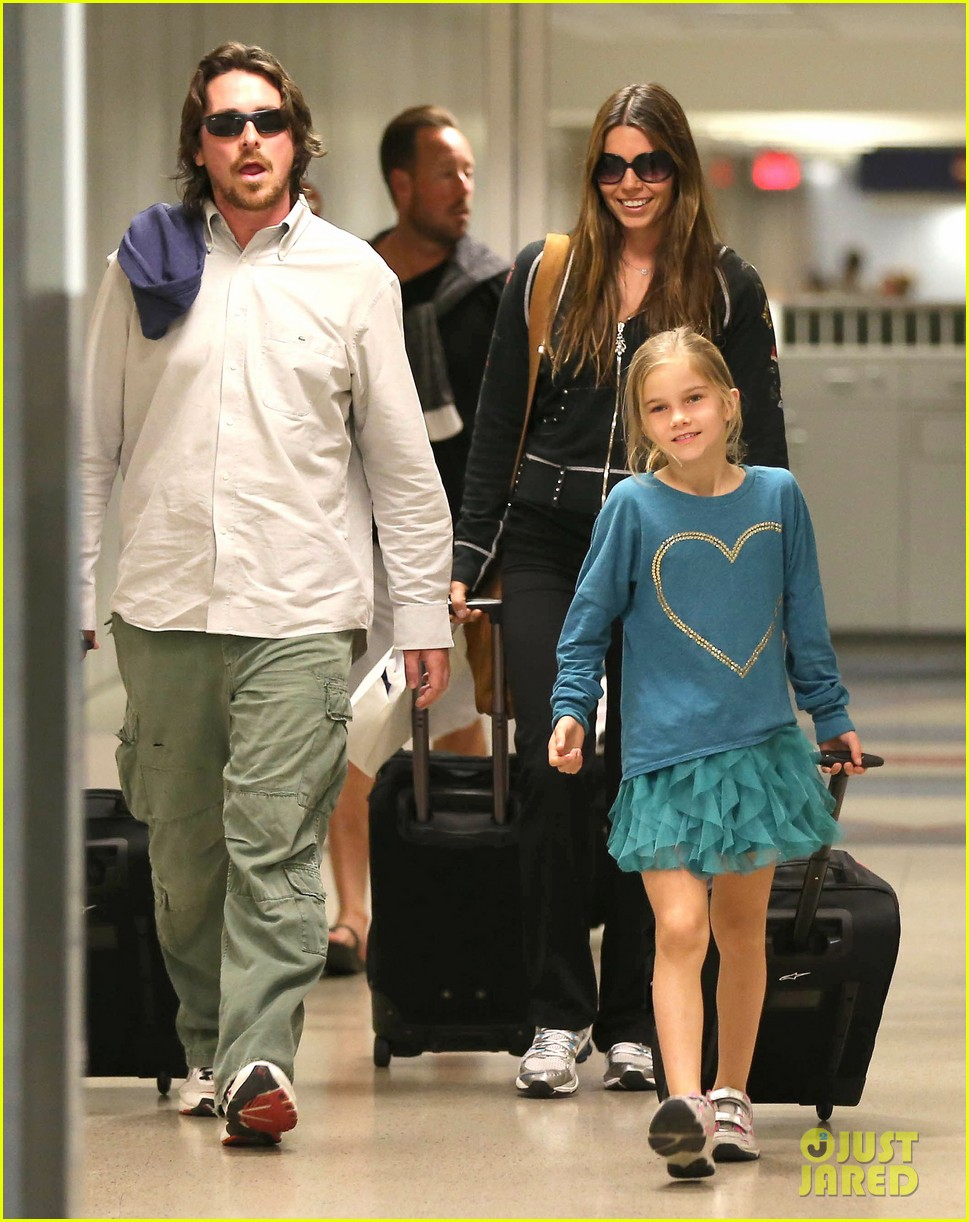 christian bale post birthday family flight 09