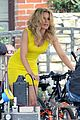 elizabeth banks super fun times on walk of shame set 07