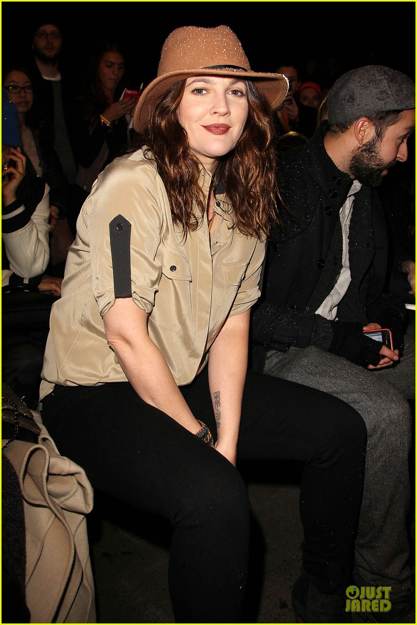 drew barrymore rag bone fashion show 05