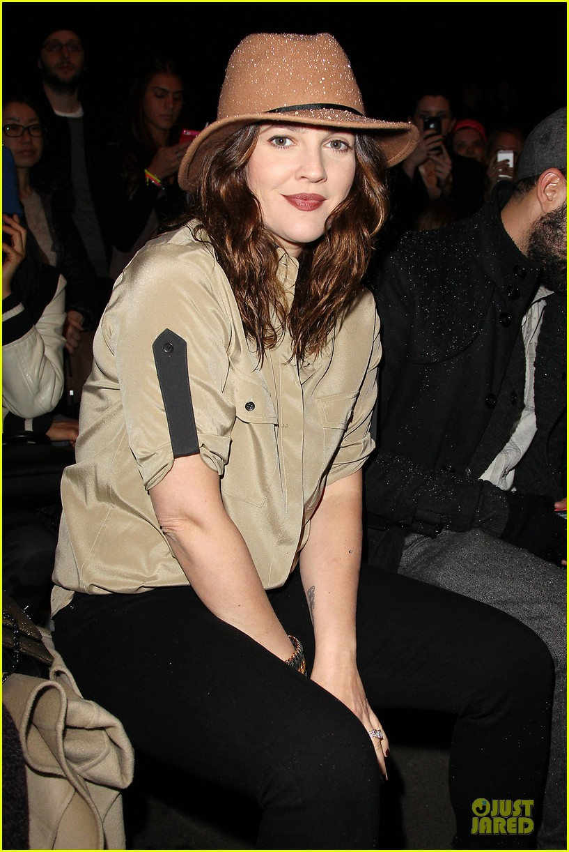 drew barrymore rag bone fashion show 062807567