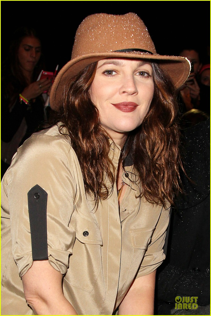drew barrymore rag bone fashion show 19