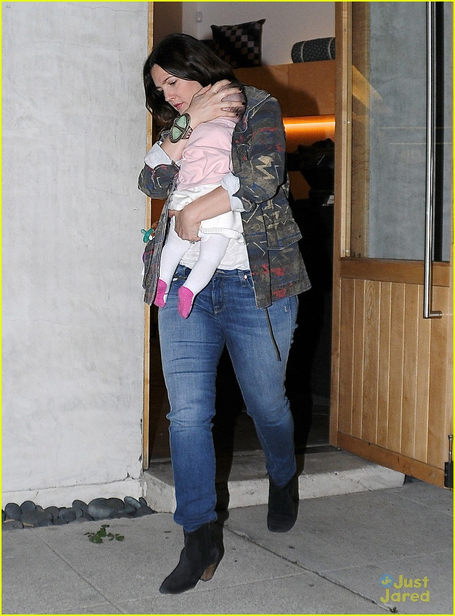 drew barrymore will kopelman shopping with baby olive 012814801