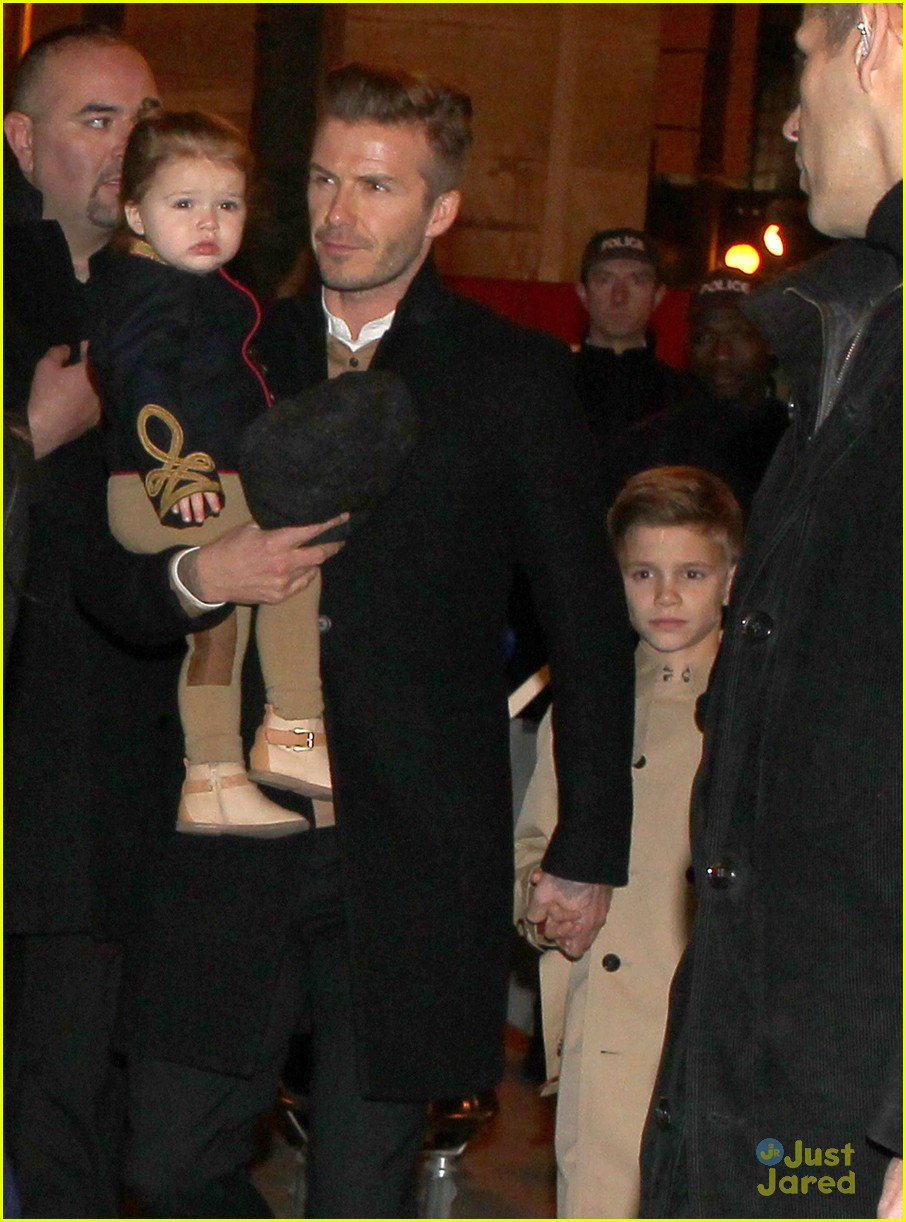 victoria david beckham eurostar trip to paris with the kids 032814691
