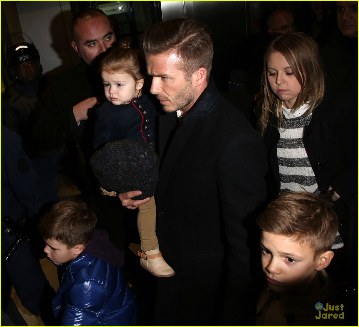 victoria david beckham eurostar trip to paris with the kids 172814705
