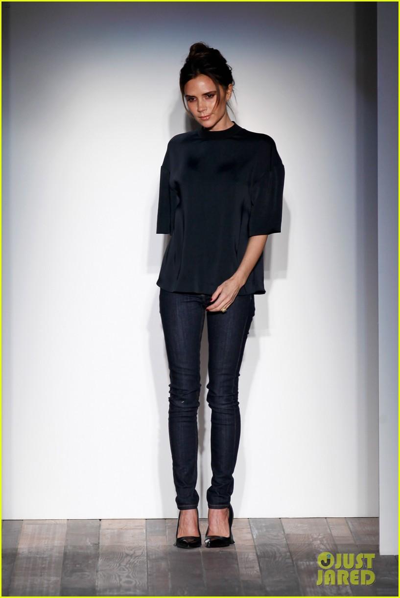 victoria beckham new york fashion week runway show 022809969
