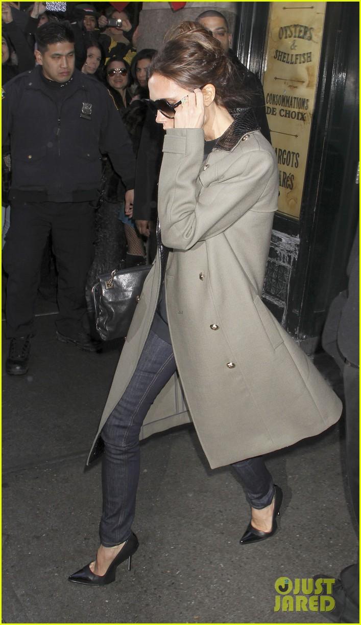 victoria beckham new york fashion week runway show 102809977