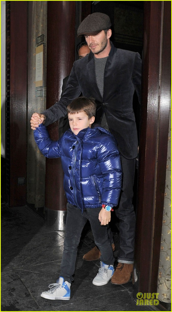 david beckham tamarind restaurant dinner with the boys 012808025