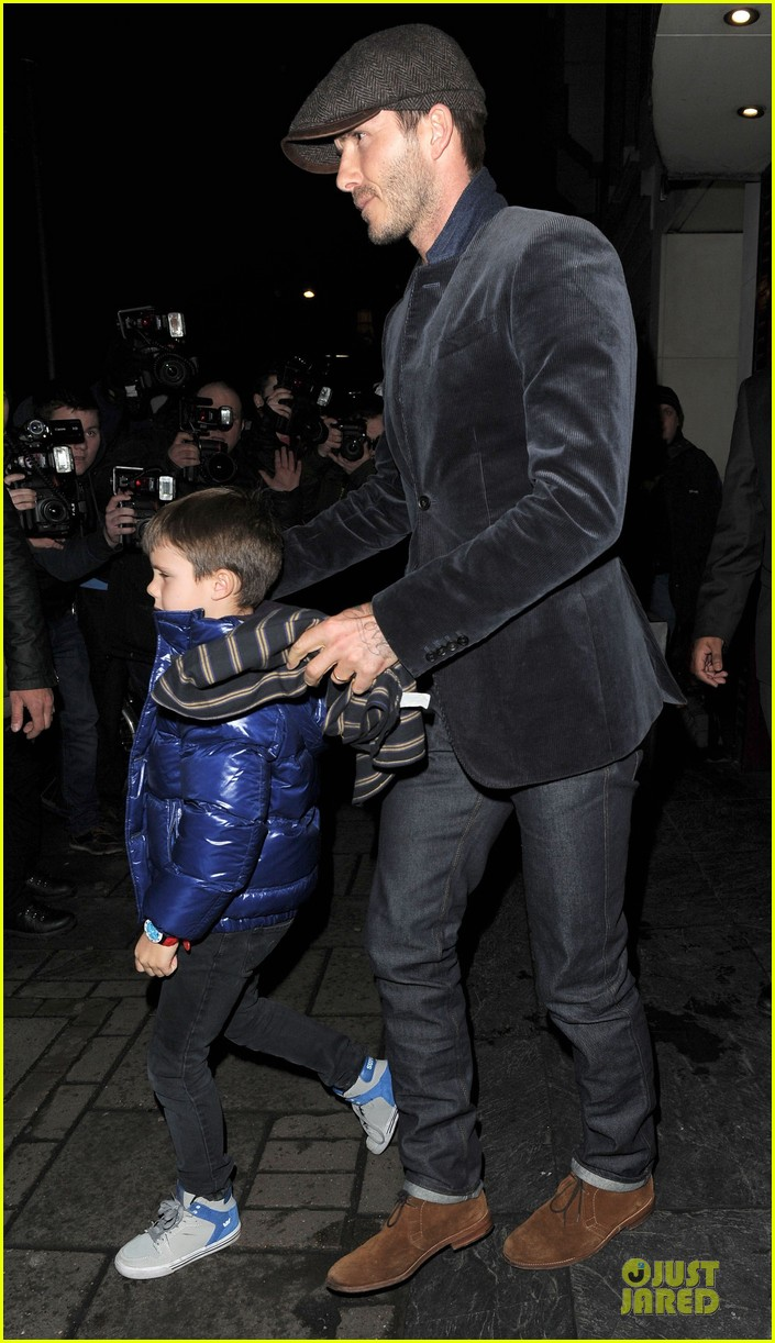 david beckham tamarind restaurant dinner with the boys 12