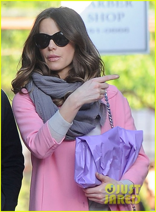 kate beckinsale len wiseman brentwood country mart couple 022808982