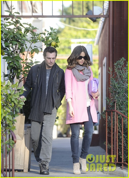 kate beckinsale len wiseman brentwood country mart couple 052808985