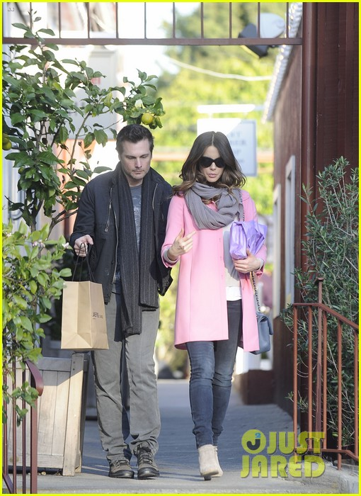 kate beckinsale len wiseman brentwood country mart couple 072808987