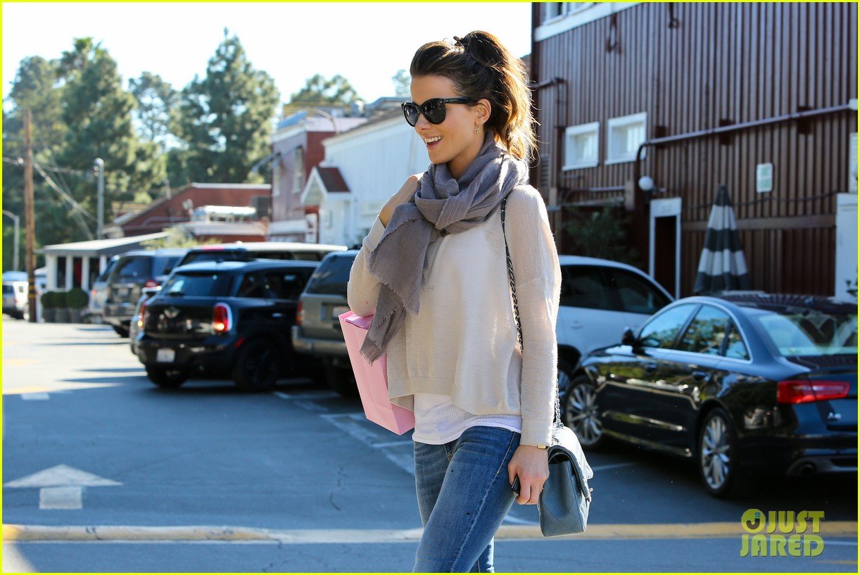 kate beckinsale calypso shopping stop 042802611