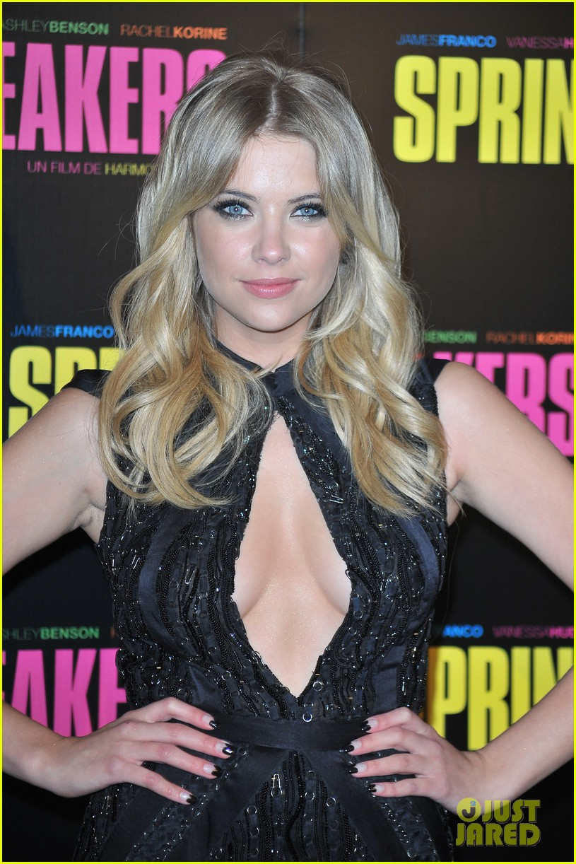 ashley benson rachel korine spring breakers paris premiere 022814573