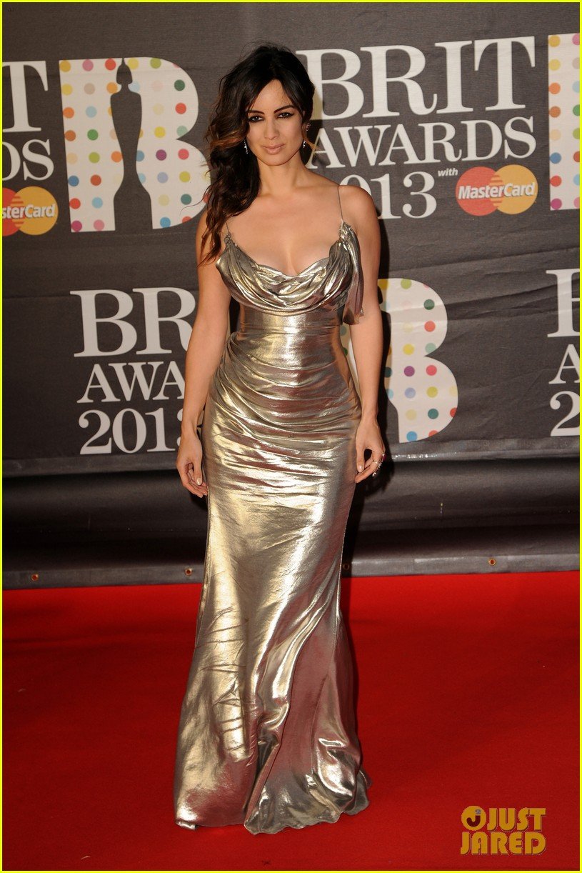 berenice marlohe jessie j brit awards 2013 red carpet 05