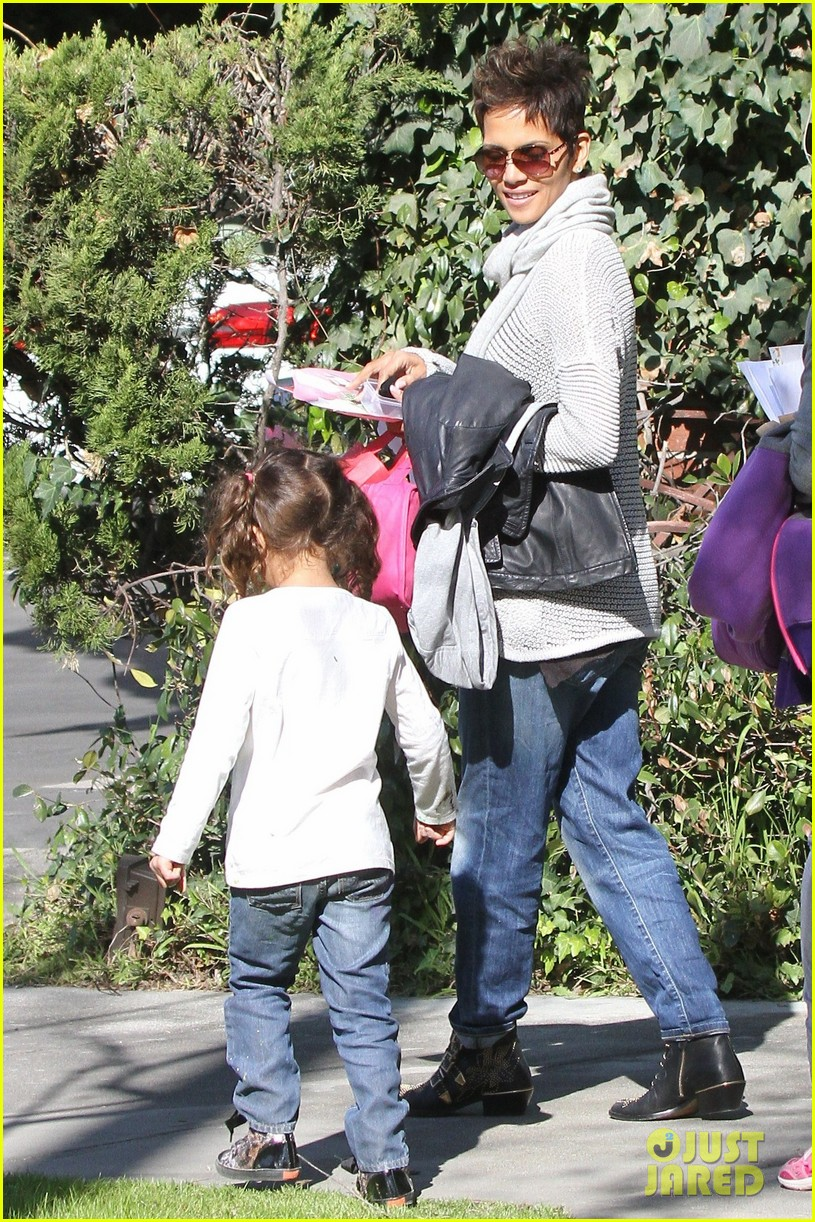 halle berry fit for kids with nahla 062820959