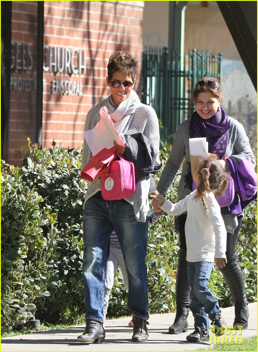 halle berry fit for kids with nahla 092820962