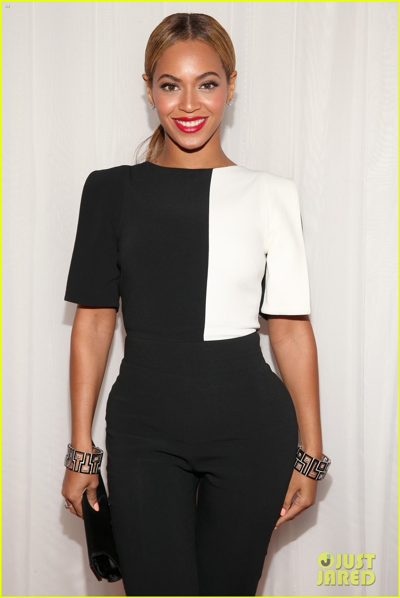 beyonce grammys 2013 red carpet 062809297
