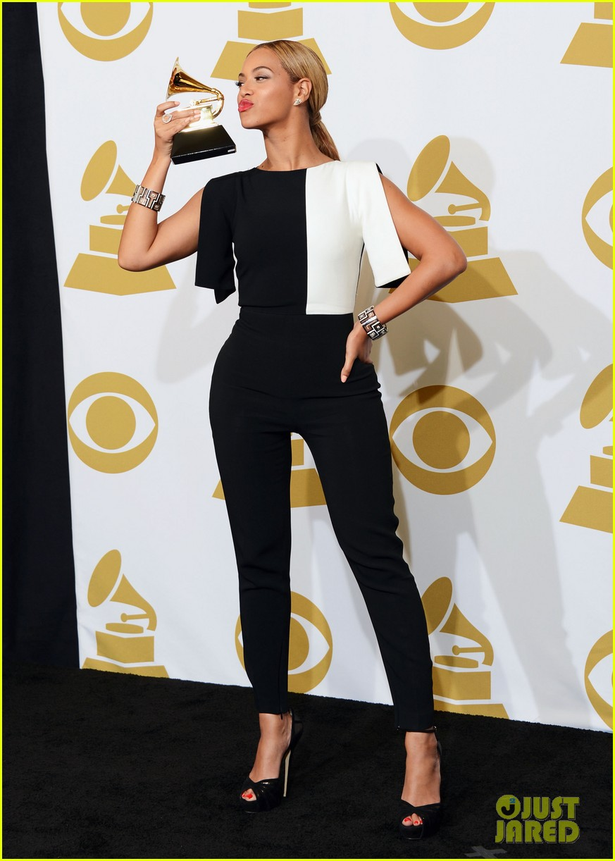 beyonce jay z grammys 2013 winners room photos 012809629