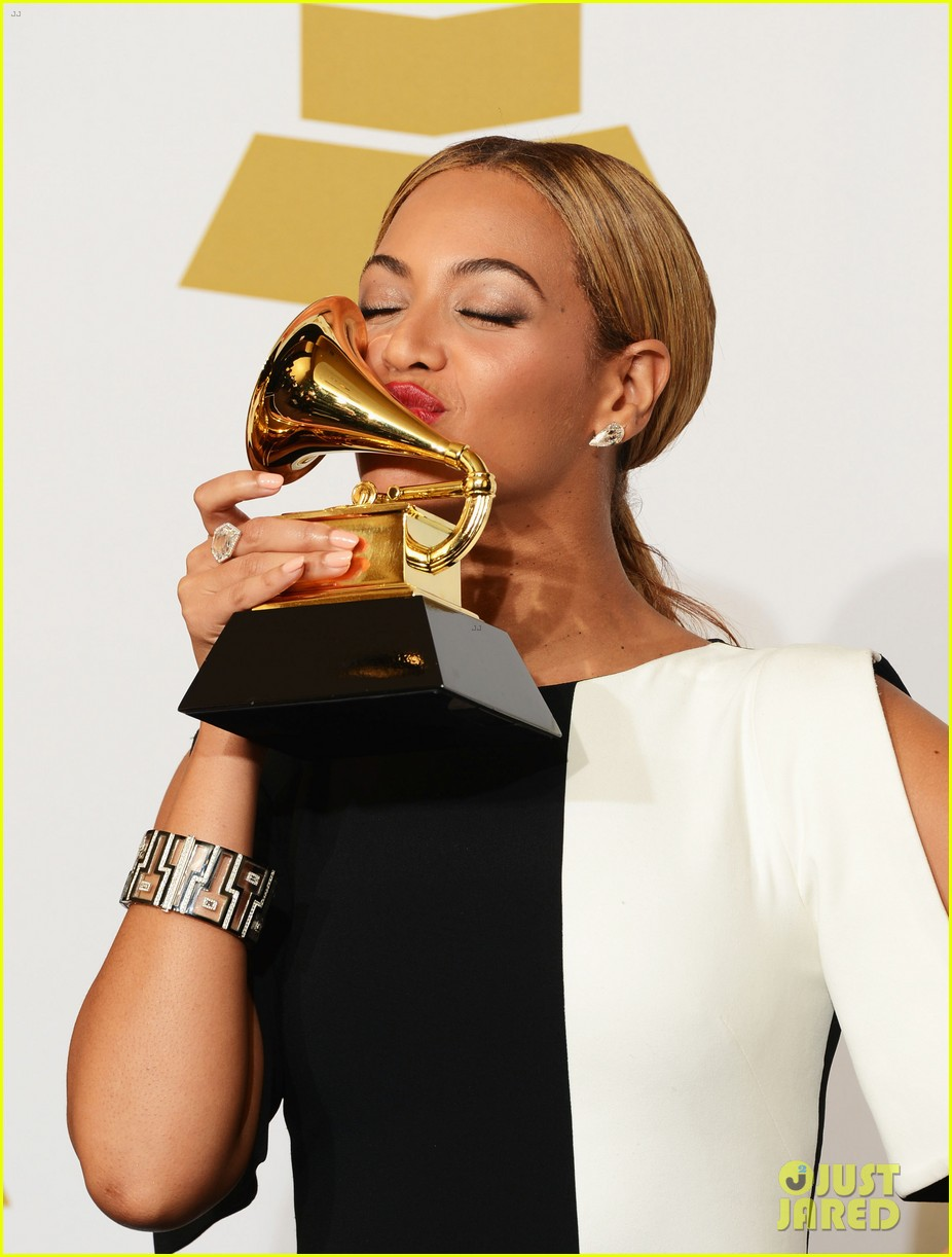 beyonce jay z grammys 2013 winners room photos 022809630