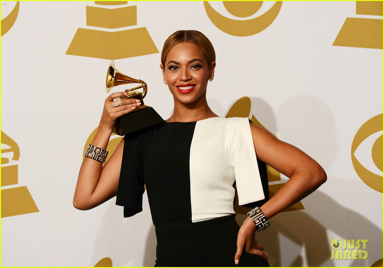 beyonce jay z grammys 2013 winners room photos 072809635