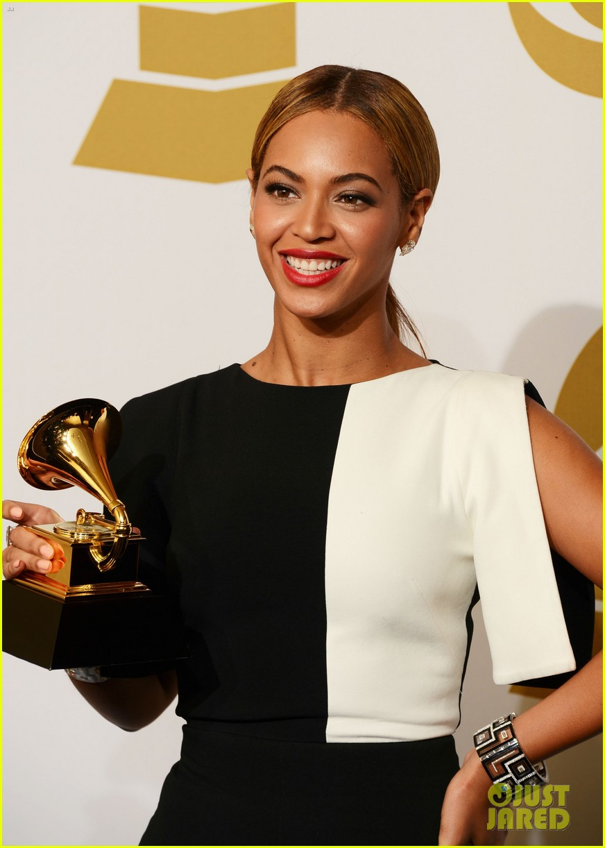 beyonce jay z grammys 2013 winners room photos 09