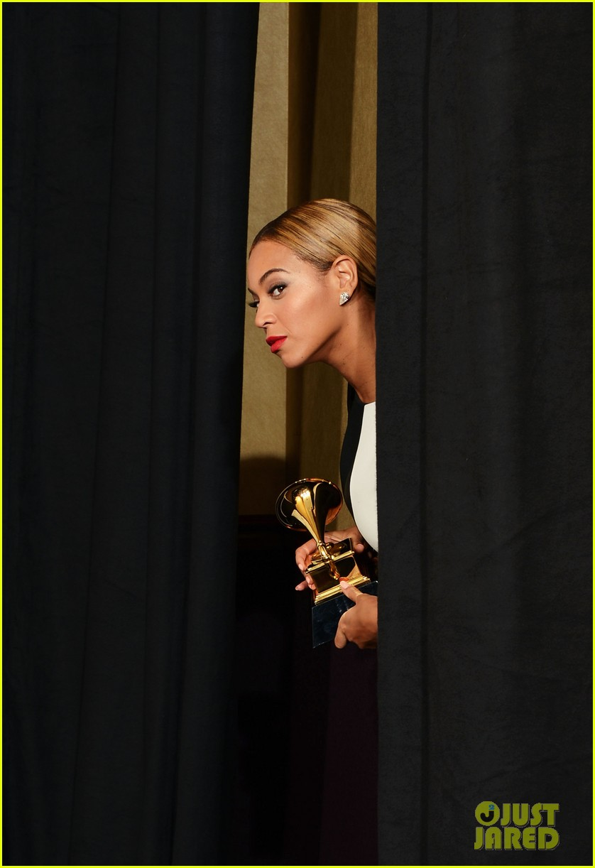 beyonce jay z grammys 2013 winners room photos 142809642