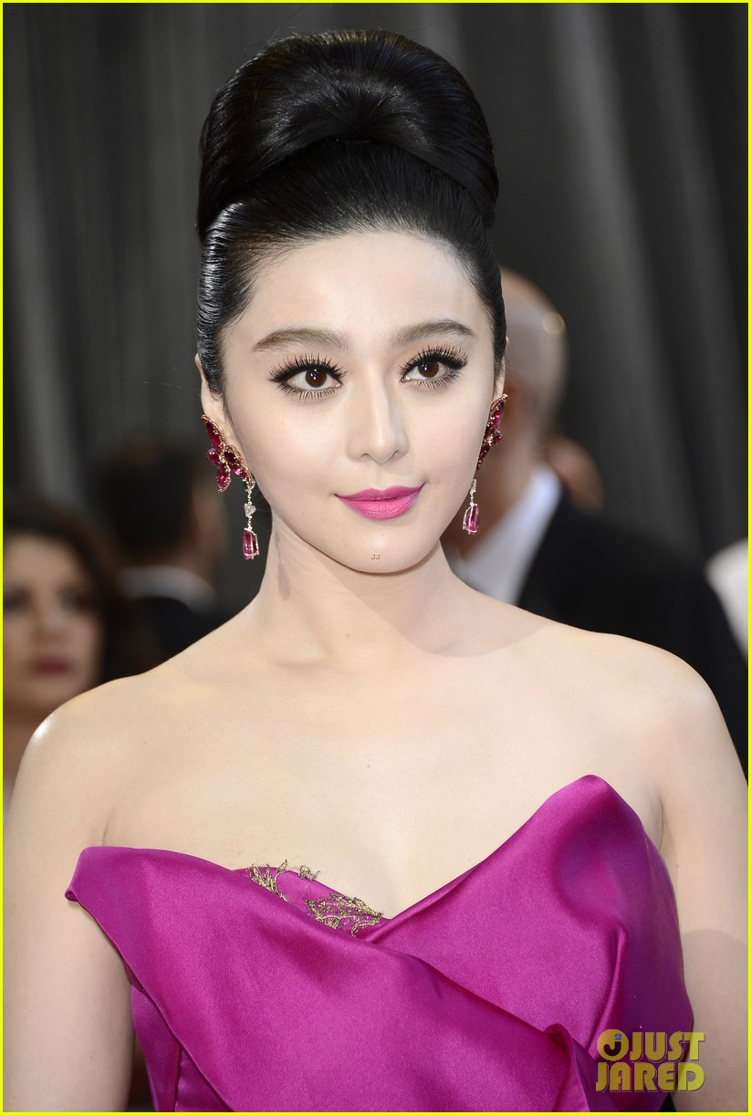 fan bingbing alicia vikander oscars 2013 red carpet 08