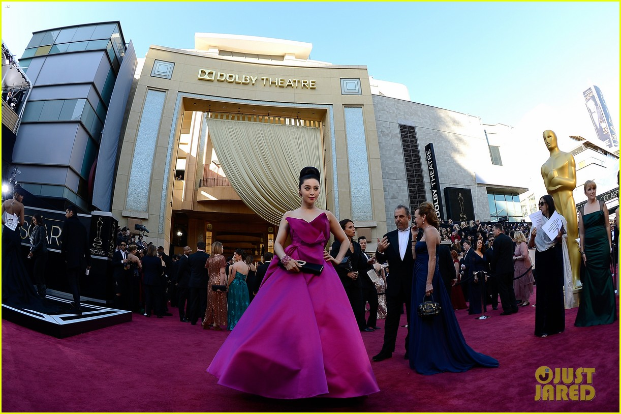 fan bingbing alicia vikander oscars 2013 red carpet 092819193