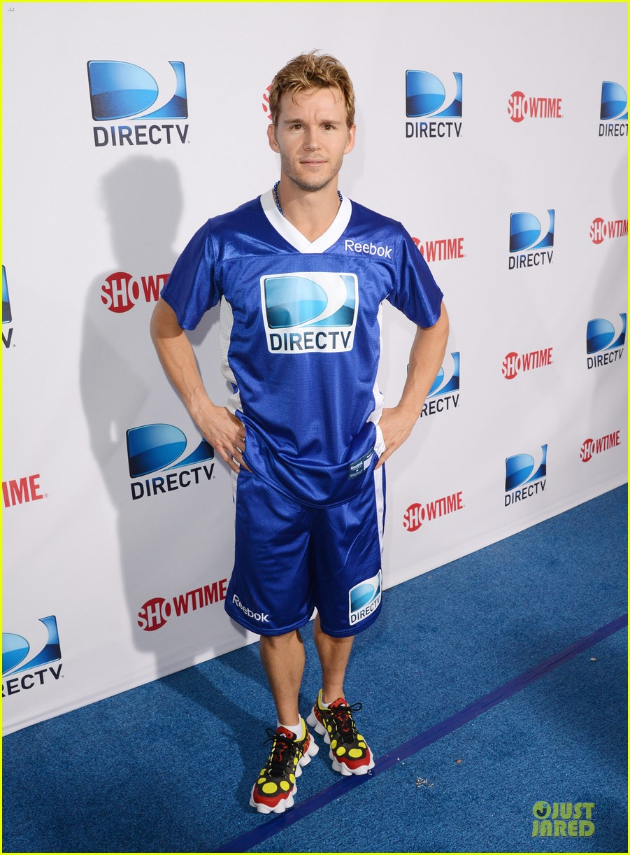 matt bomer ryan kwanten celebrity beach bowl party guys 182803215