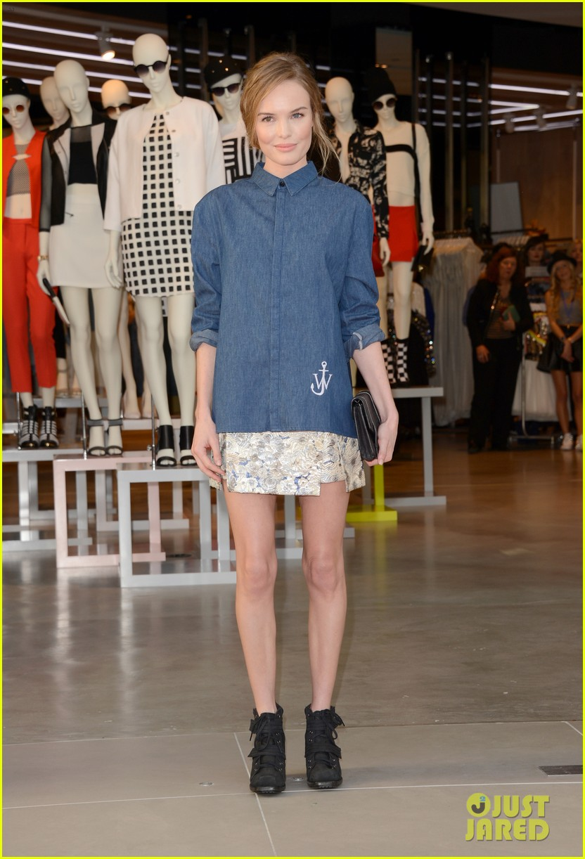 kate bosworth demi lovato topshop grand opening 012812526