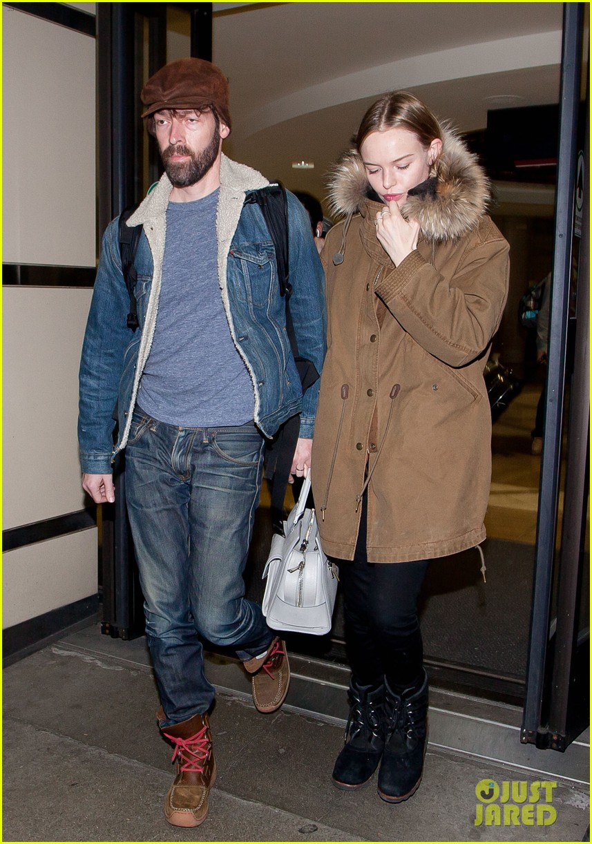 kate bosworth lax arrivial with michael polish 022805261