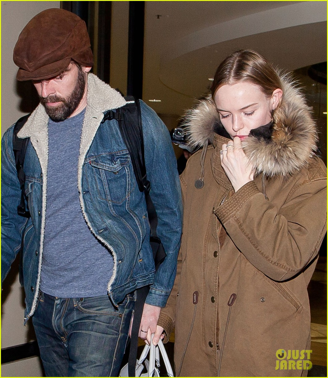 kate bosworth lax arrivial with michael polish 04