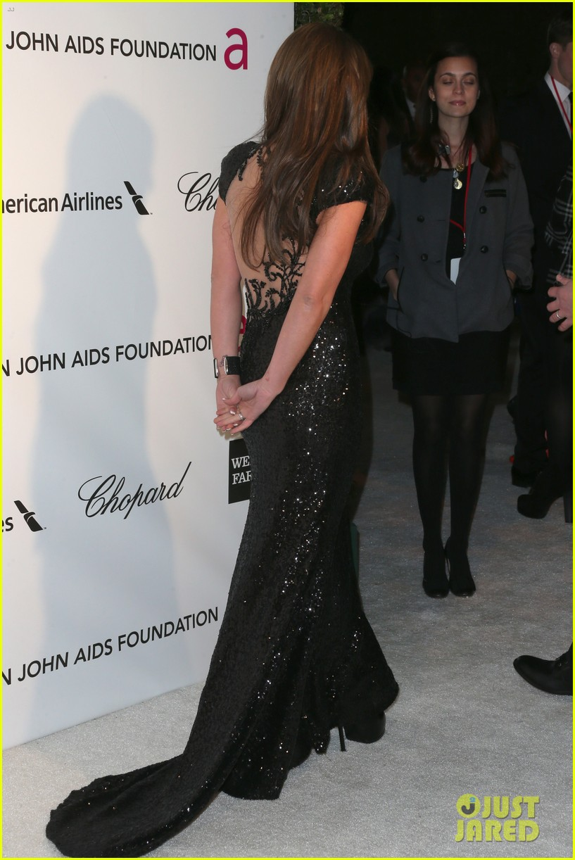 britney spears brown hair at elton john oscars party 2013 24