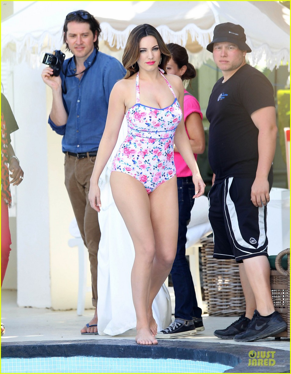kelly brook post split bikini photo shoot 012805080
