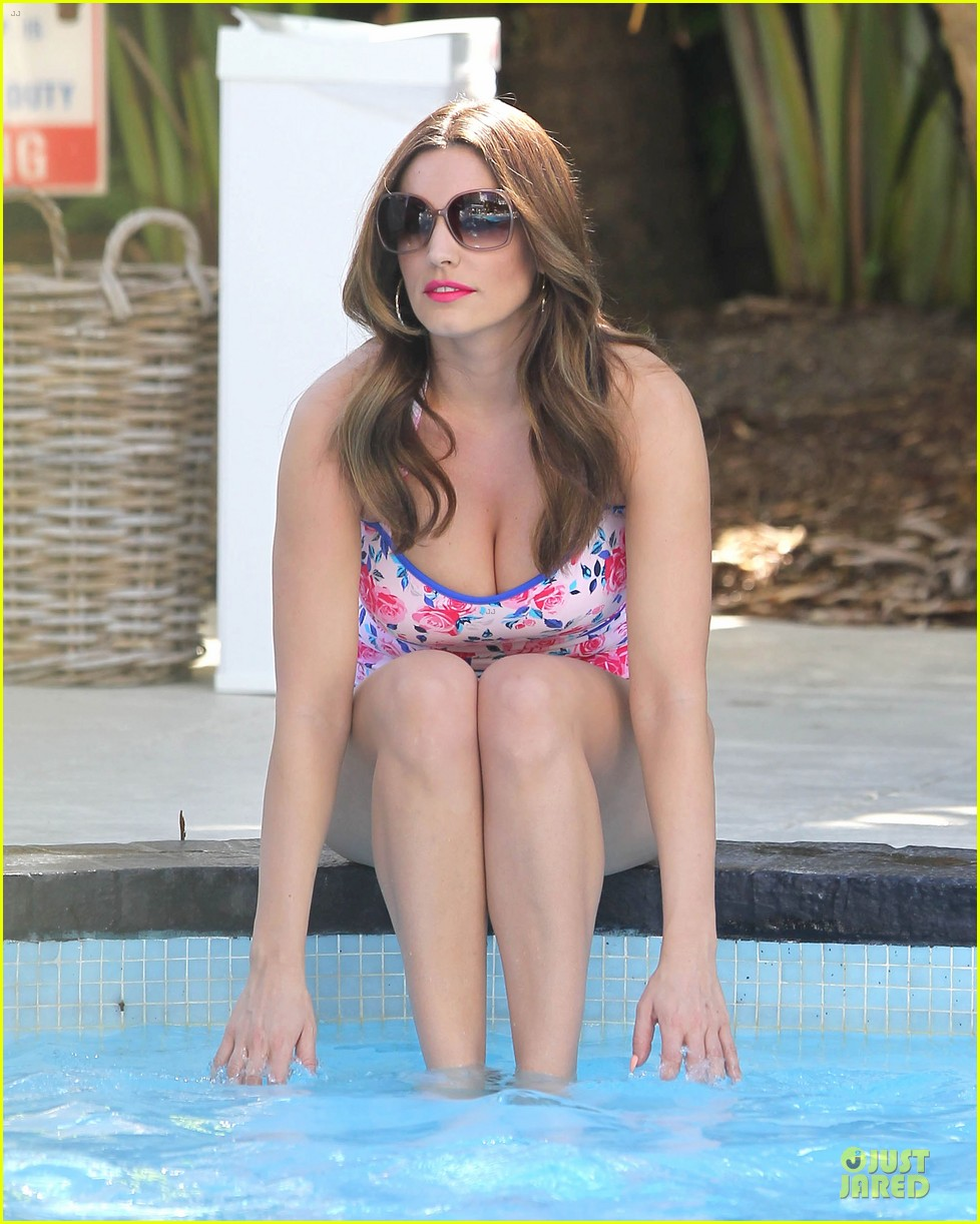 kelly brook post split bikini photo shoot 02