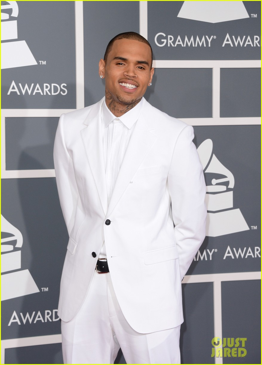 chris brown grammys 2013 red carpet 032809192