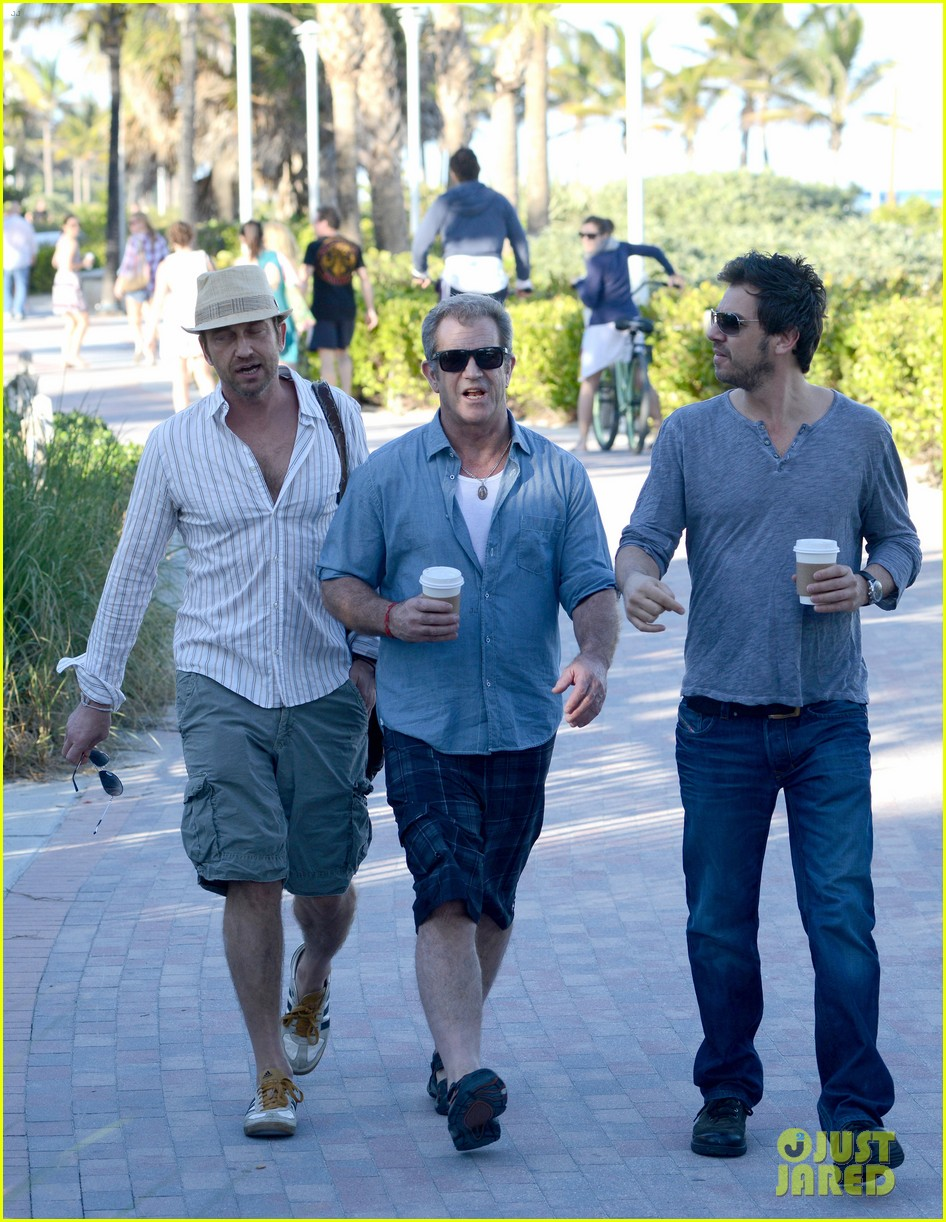 gerard butler mel gibson bromance continues 03