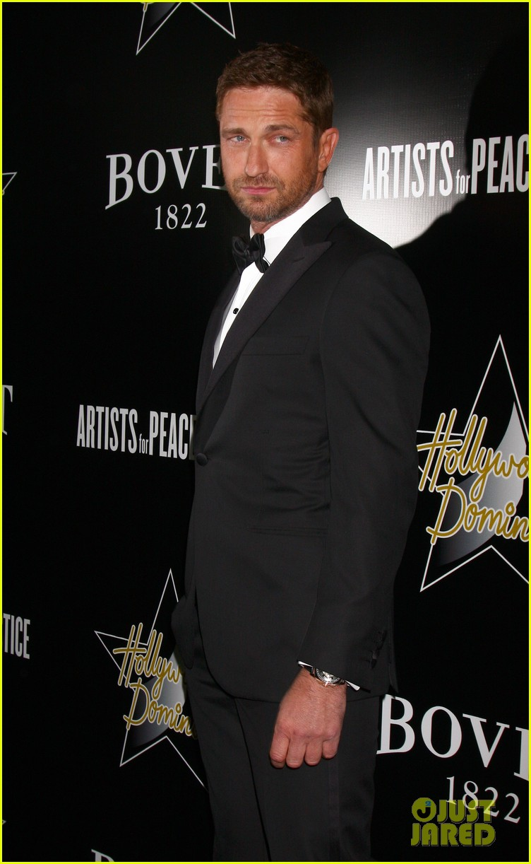 gerard butler hollywood domino pre oscar gala 062816998