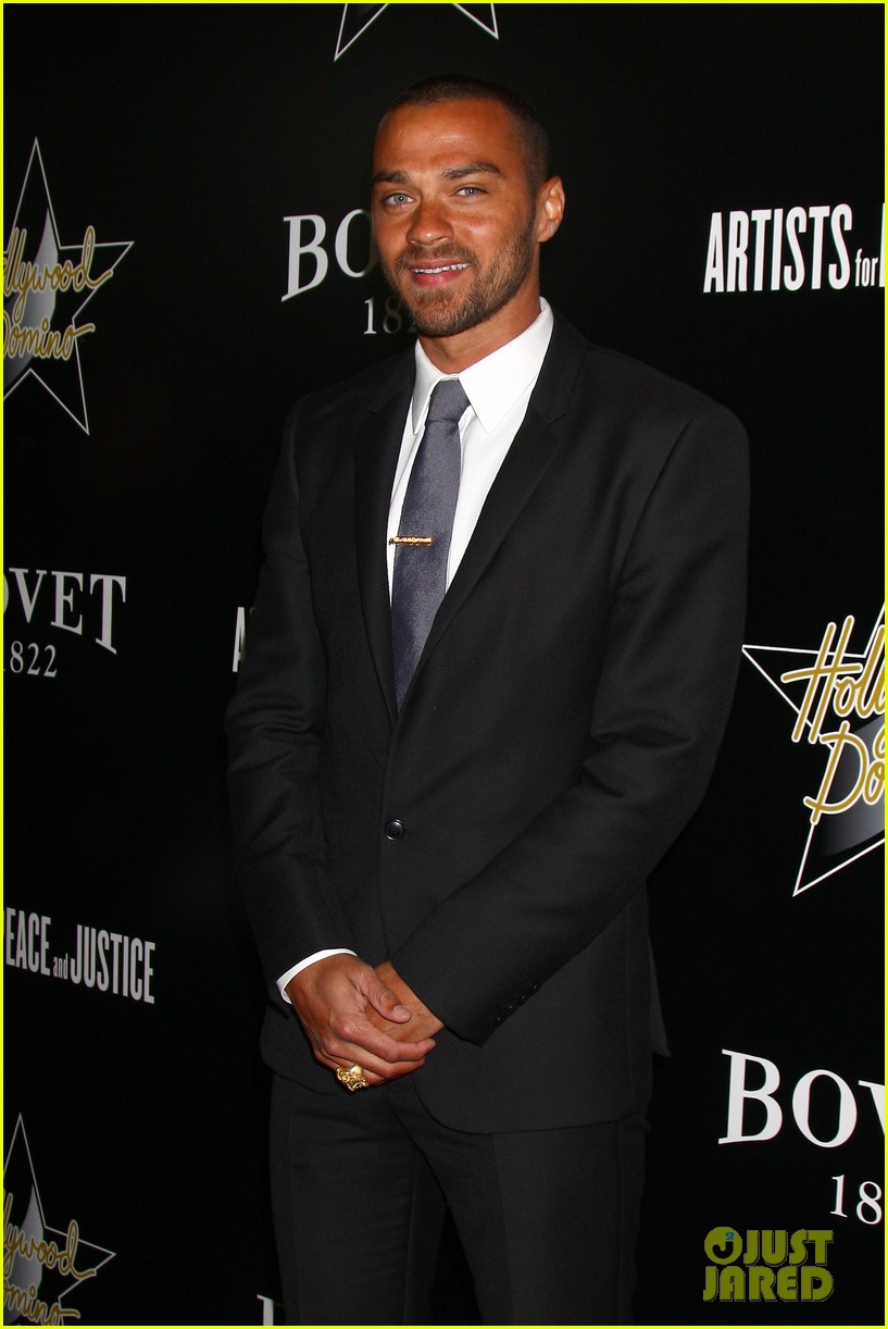 gerard butler hollywood domino pre oscar gala 10