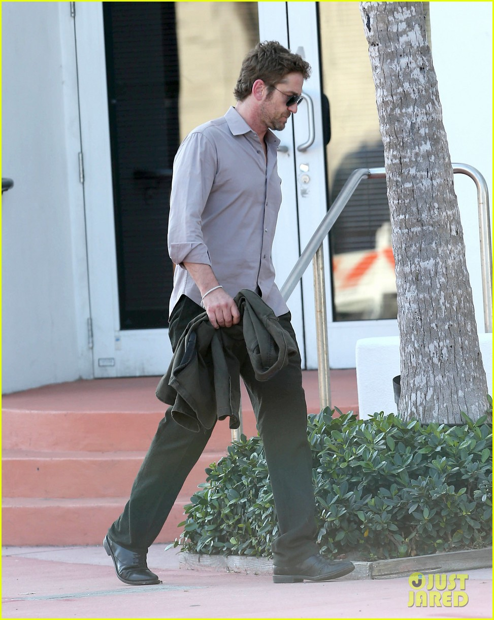 gerard butler good morning miami 04