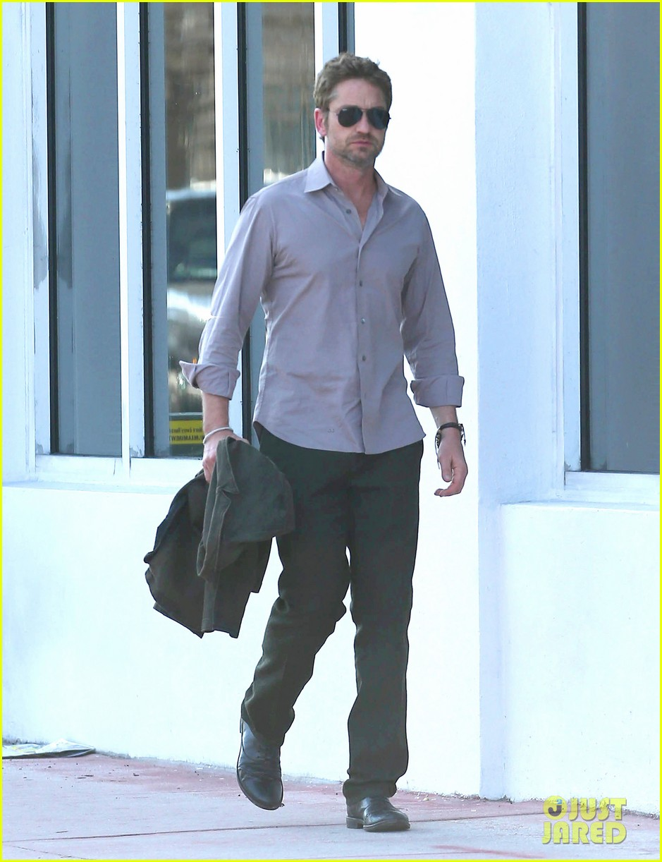 gerard butler good morning miami 062805356