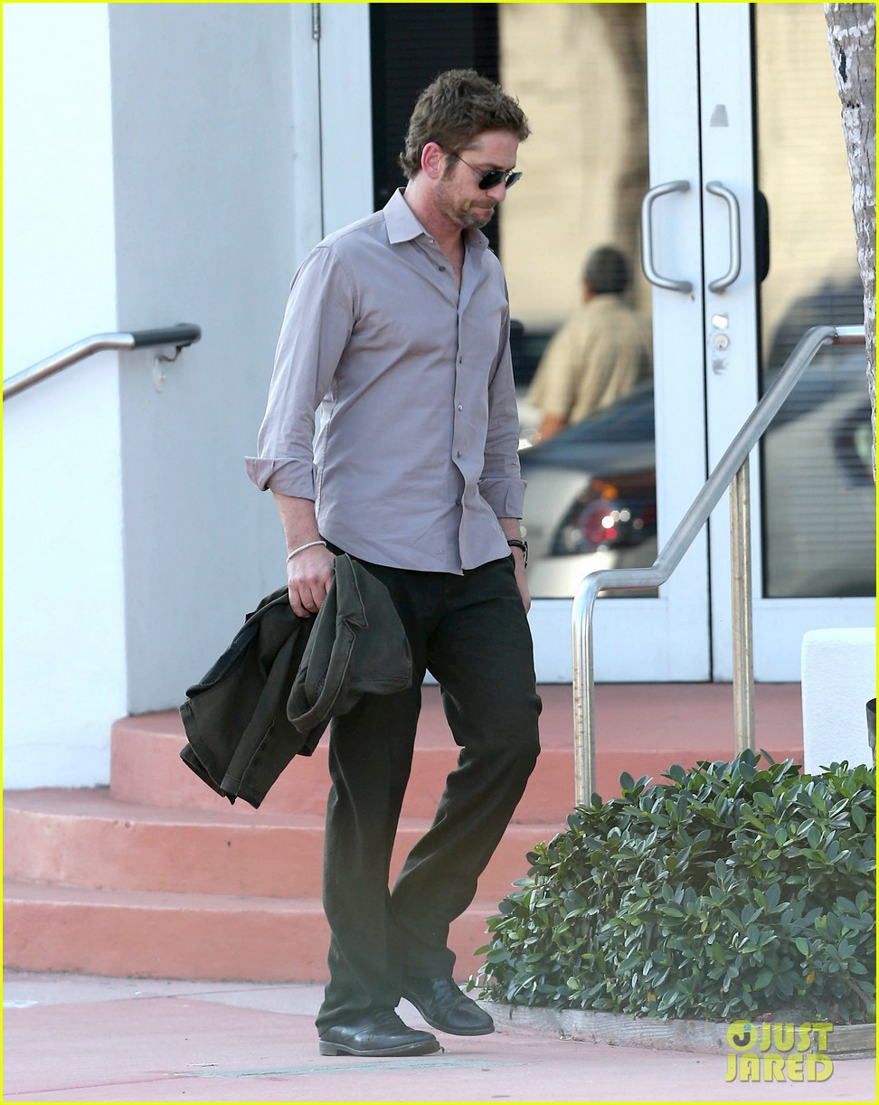 gerard butler good morning miami 092805359