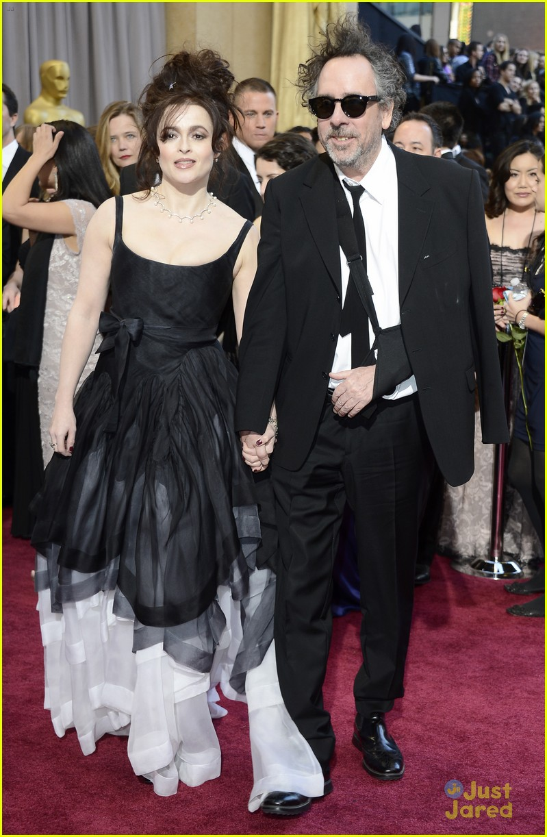 helena bonham carter tim burton oscars red carpet 2013 052819098