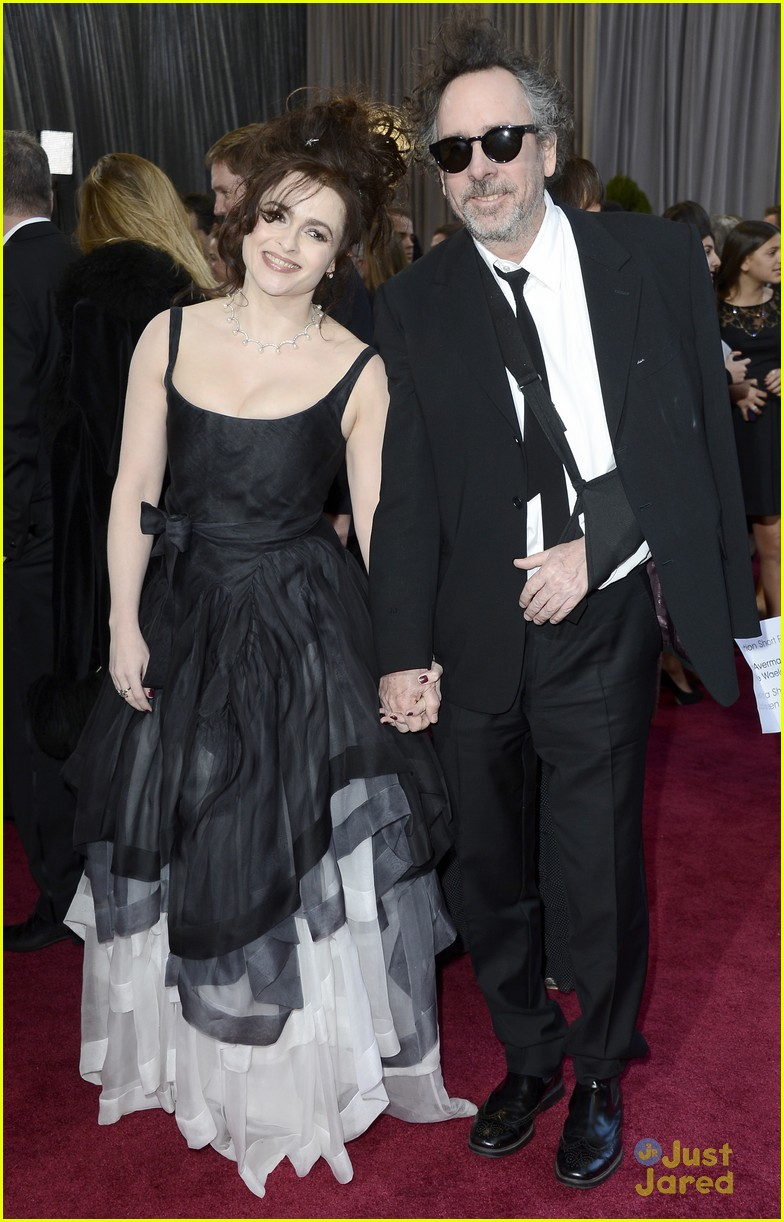 helena bonham carter tim burton oscars red carpet 2013 102819103