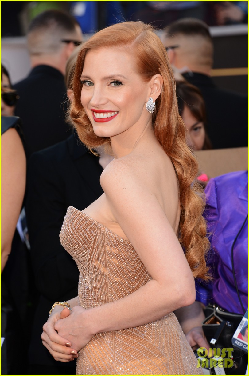 jessica chastain oscars 2013 red carpet 072818973
