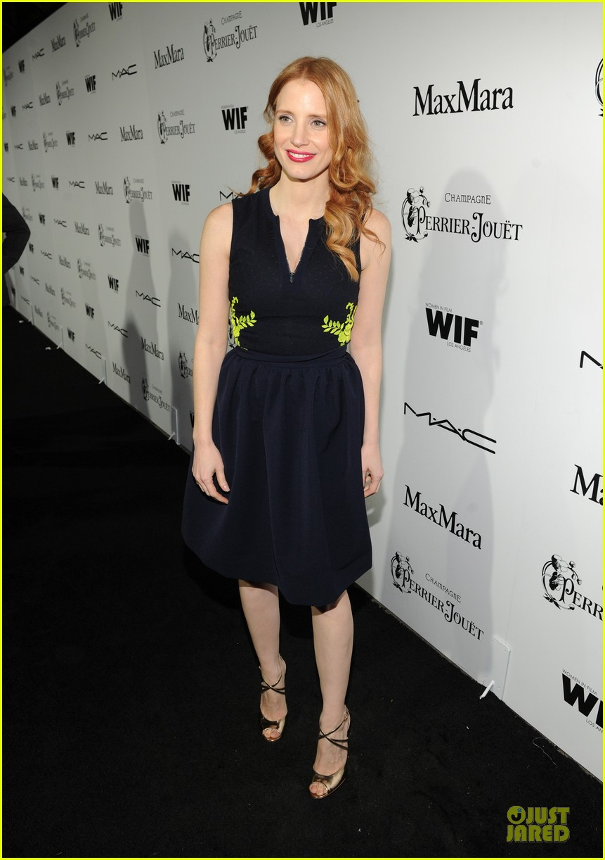 jessica chastain daniel radcliffe women in film pre oscar cocktail party 122817498