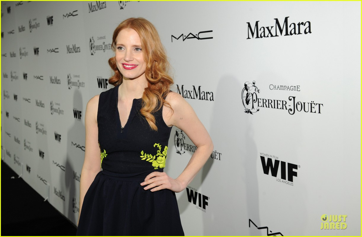 jessica chastain daniel radcliffe women in film pre oscar cocktail party 142817500