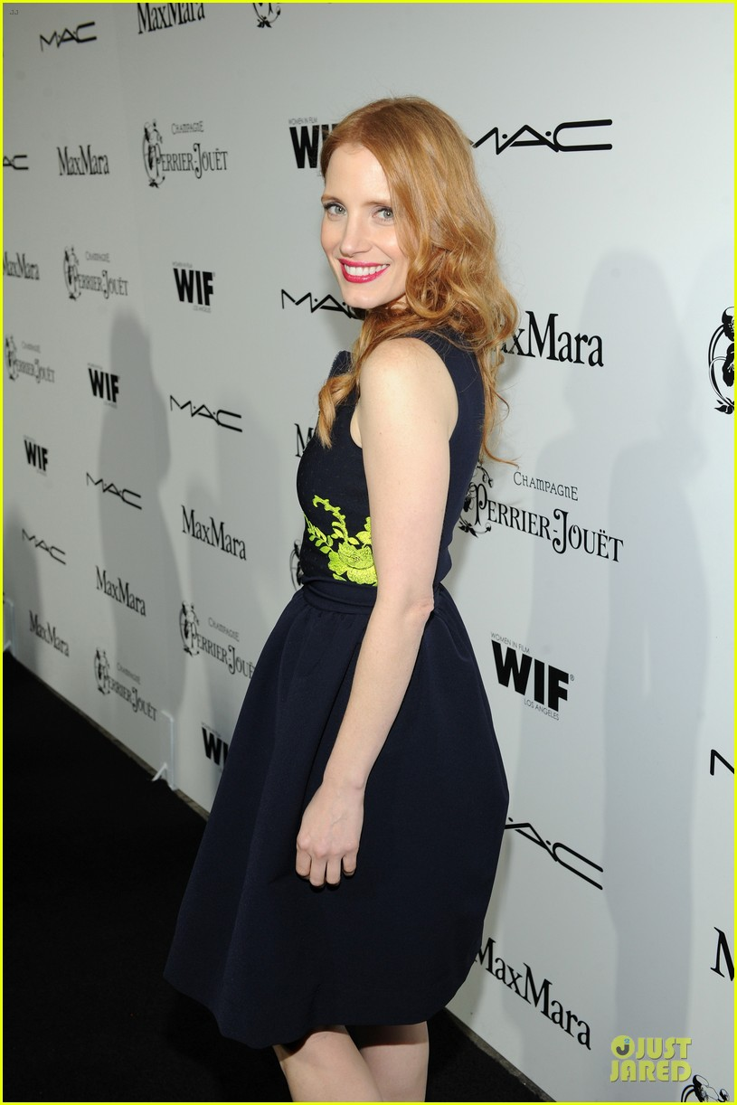 jessica chastain daniel radcliffe women in film pre oscar cocktail party 162817502